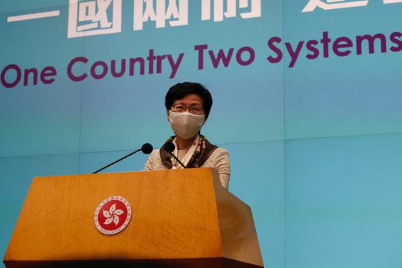 Lãnh đạo Hong Kong tố Mỹ xài tiêu chuẩn kép về người biểu tình - Ảnh 1.