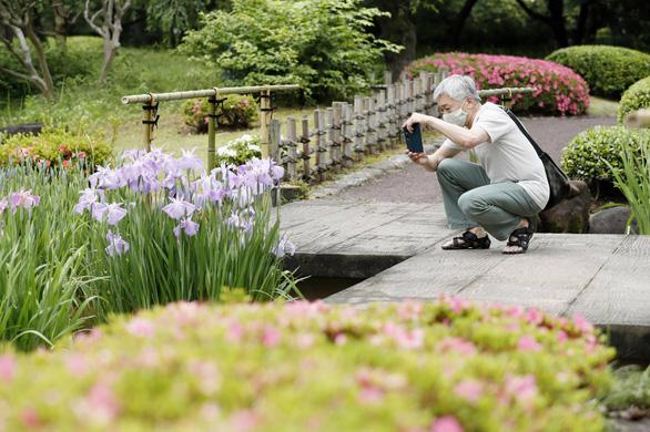 Bảo tàng quốc gia, vườn Hoàng cung Nhật mở cửa trở lại - Ảnh 1.