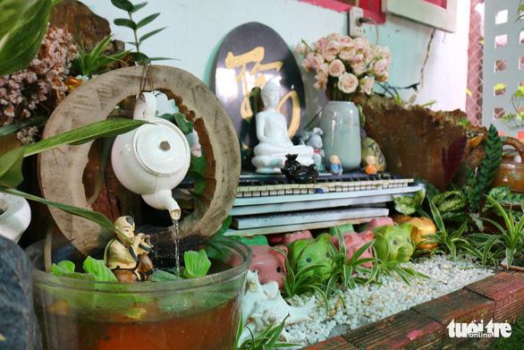 Khu vườn xanh độc đáo được làm từ vật dụng vứt ngoài đường ở Sài Gòn - Ảnh 7.