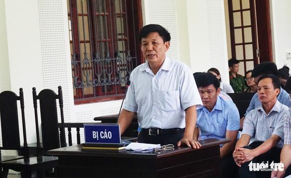 Lập hồ sơ khống chiếm đoạt tiền bồi thường, trưởng ban quản lý rừng bị phạt 5 năm tù - Ảnh 2.