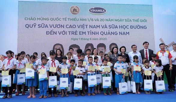 Vinamilk tặng quà 1-6 đặc biệt đến với trẻ em Quảng Nam - Ảnh 3.