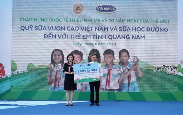 Vinamilk tặng quà 1-6 đặc biệt đến với trẻ em Quảng Nam - Ảnh 5.