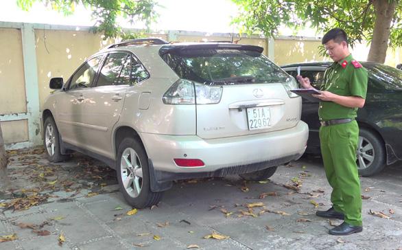 Xe sang Lexus RX330 được chuyển nhượng trái phép để trốn thuế? - Ảnh 1.