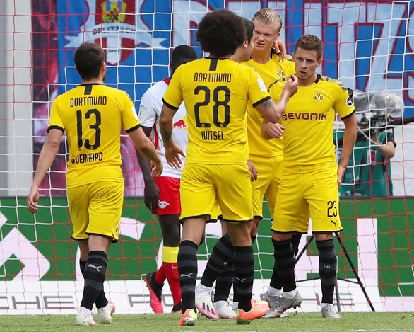 Haaland lập cú đúp, Dortmund hạ Leipzig, giành ngôi á quân Bundesliga - Ảnh 2.