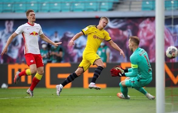 Haaland lập cú đúp, Dortmund hạ Leipzig, giành ngôi á quân Bundesliga - Ảnh 1.