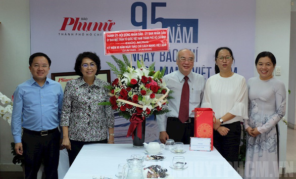 Lãnh đạo TP.HCM thăm cơ quan báo chí nhân Ngày báo chí cách mạng Việt Nam - Ảnh 3.