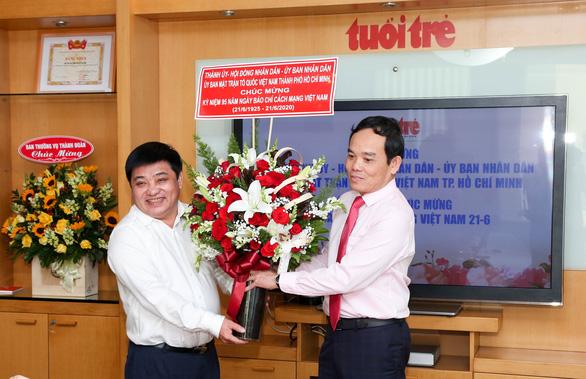 Lãnh đạo TP.HCM thăm cơ quan báo chí nhân Ngày báo chí cách mạng Việt Nam - Ảnh 2.