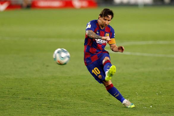 Barca bị Sevilla cầm hòa, Messi suýt đánh nhau trên sân - Ảnh 2.