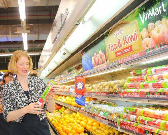 Lễ hội trái cây nhập khẩu New Zealand tại VinMart - Ảnh 3.