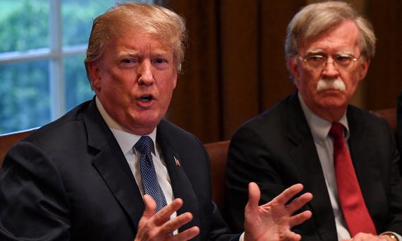 Thẩm phán Mỹ không ngăn Bolton xuất bản sách, ông Trump nổi giận - Ảnh 1.