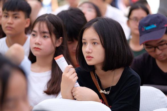 Sáng nay, báo Tuổi Trẻ tư vấn tuyển sinh ở TP.HCM, Hà Nội, Đà Nẵng - Ảnh 6.