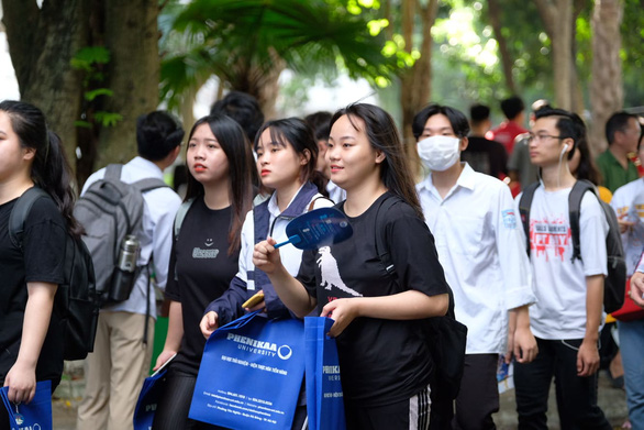 Sáng nay, báo Tuổi Trẻ tư vấn tuyển sinh ở TP.HCM, Hà Nội, Đà Nẵng - Ảnh 7.