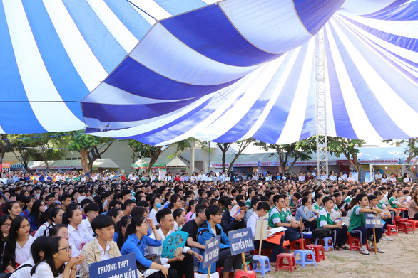 Sáng nay, báo Tuổi Trẻ tư vấn tuyển sinh ở TP.HCM, Hà Nội, Đà Nẵng - Ảnh 16.