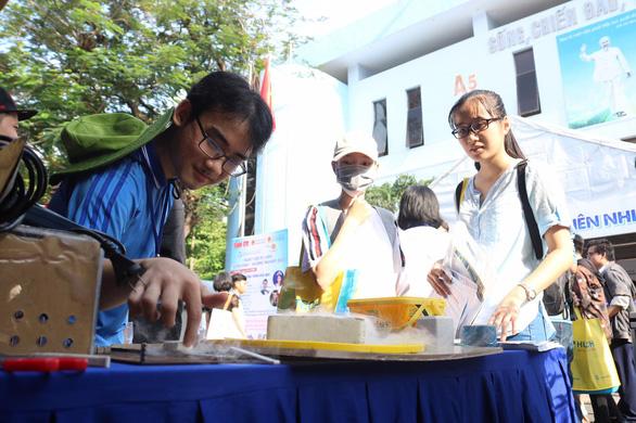 Trường ĐH đem hàng hot tới ngày hội tư vấn tuyển sinh - Ảnh 11.
