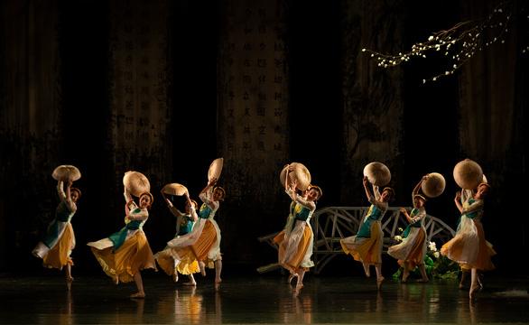 Ballet Kiều đêm công diễn: Ấn tượng nhưng vẫn kỳ vọng chiều sâu hơn - Ảnh 5.