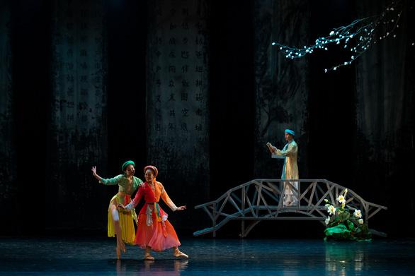Ballet Kiều đêm công diễn: Ấn tượng nhưng vẫn kỳ vọng chiều sâu hơn - Ảnh 6.