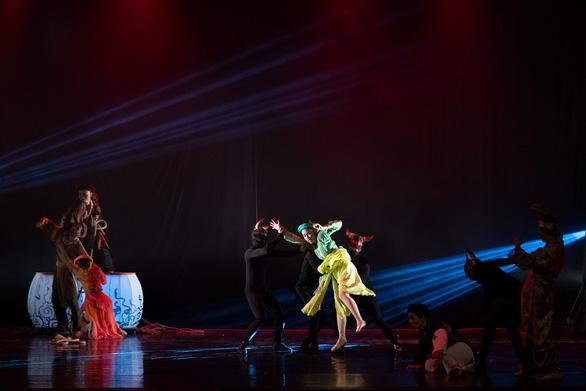 Ballet Kiều đêm công diễn: Ấn tượng nhưng vẫn kỳ vọng chiều sâu hơn - Ảnh 7.