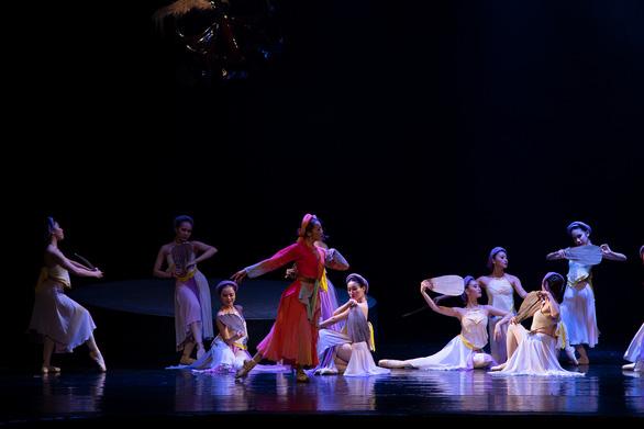 Ballet Kiều đêm công diễn: Ấn tượng nhưng vẫn kỳ vọng chiều sâu hơn - Ảnh 8.