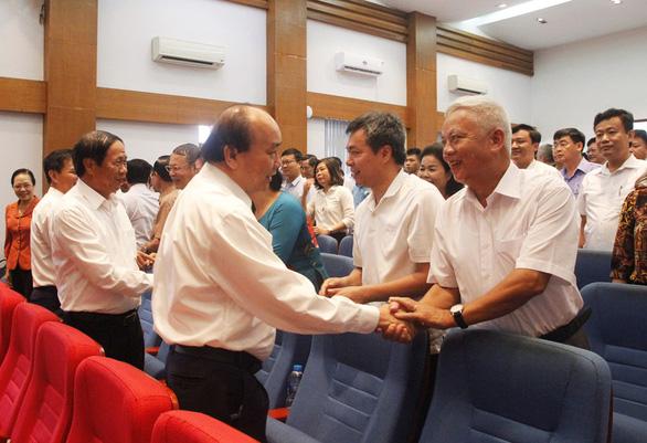 Thủ tướng Nguyễn Xuân Phúc: Chống dịch tốt mà đình đốn các mặt là chưa thành công - Ảnh 1.