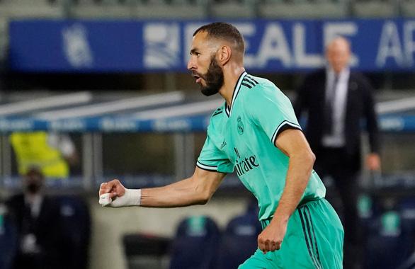 Thắng sít sao Sociedad, Real Madrid trở lại ngôi đầu bảng - Ảnh 2.
