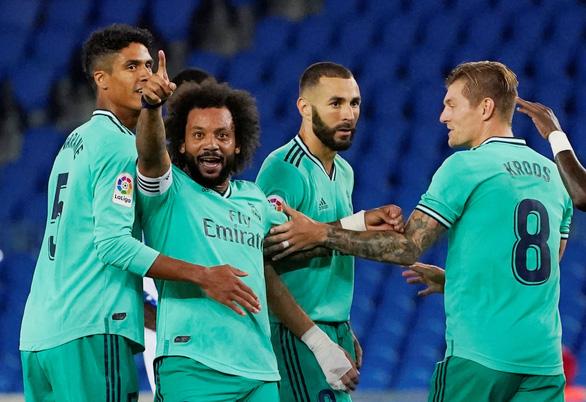 Thắng sít sao Sociedad, Real Madrid trở lại ngôi đầu bảng - Ảnh 1.