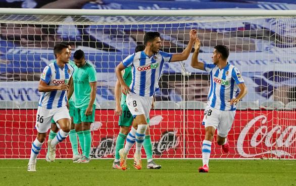 Thắng sít sao Sociedad, Real Madrid trở lại ngôi đầu bảng - Ảnh 3.