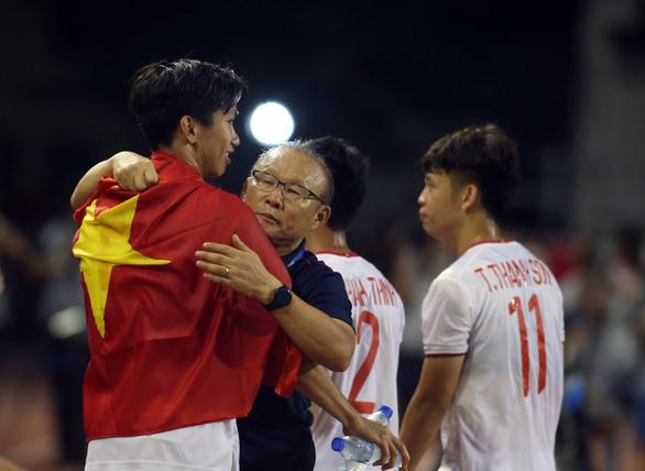 HLV Park Hang Seo: Kinh nghiệm từ Guus Hiddink đã giúp tôi ở tuyển Việt Nam - Ảnh 2.