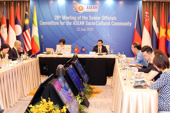 Việt Nam phối hợp ASEAN đưa ra sáng kiến ứng phó dịch COVID-19 - Ảnh 1.