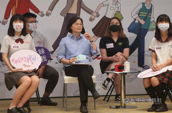 Bà Thái Anh Văn muốn Đài Loan thành hòn đảo song ngữ năm 2030 - Ảnh 1.