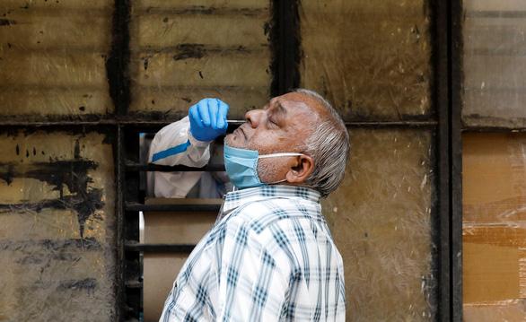 Đức khuyến cáo công dân về tình trạng quá tải bệnh viện ở Ấn Độ do COVID-19 - Ảnh 1.