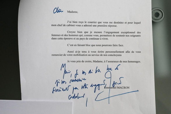 Dinh Tổng thống Pháp xử lý 20.000 thư mỗi tháng: Thư thường dân xem trọng như thư nguyên thủ  - Ảnh 3.