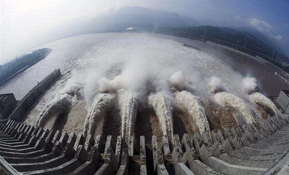 Trung Quốc nói đập Tam Hiệp còn nguyên dù mưa lớn làm nước về nhiều hơn - Ảnh 2.