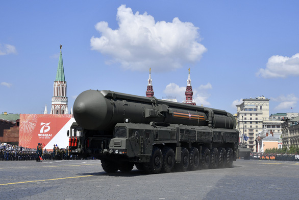 Nga phô diễn vũ khí trong duyệt binh lớn mừng 75 năm Ngày Chiến thắng - Ảnh 2.