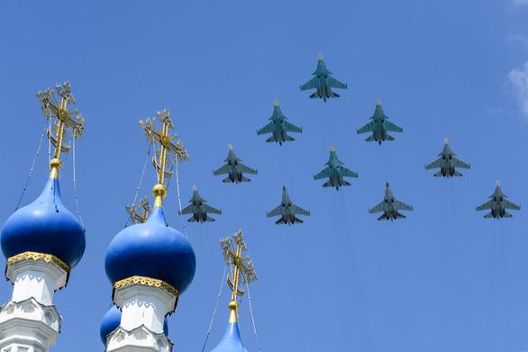 Nga phô diễn vũ khí trong duyệt binh lớn mừng 75 năm Ngày Chiến thắng - Ảnh 6.