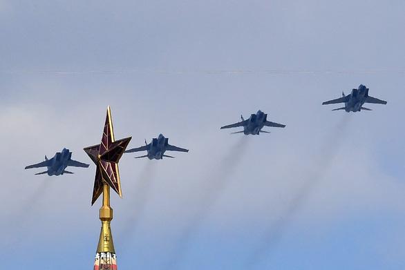 Nga phô diễn vũ khí trong duyệt binh lớn mừng 75 năm Ngày Chiến thắng - Ảnh 7.