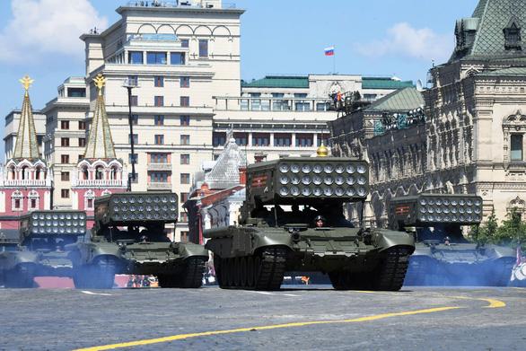 Nga phô diễn vũ khí trong duyệt binh lớn mừng 75 năm Ngày Chiến thắng - Ảnh 3.