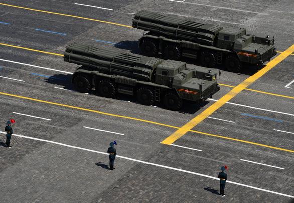Nga phô diễn vũ khí trong duyệt binh lớn mừng 75 năm Ngày Chiến thắng - Ảnh 4.