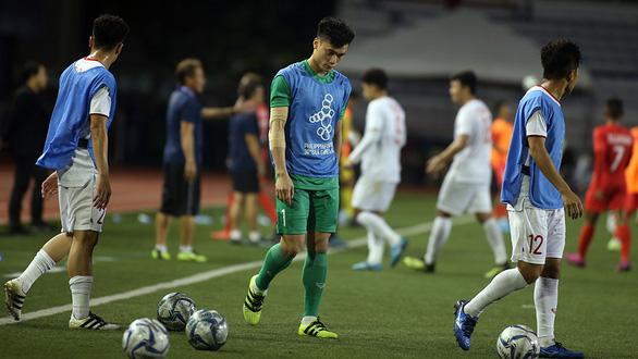 Góc khuất phía sau hợp đồng chuyển nhượng cầu thủ - Kỳ cuối:  Bài học từ thủ môn Bùi Tiến Dũng - Ảnh 1.