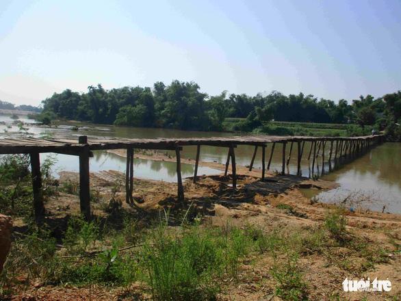 Chuyện lạ ở Bình Định: Cầu xây 10 tỉ mà dân lại sợ không dám đi - Ảnh 4.