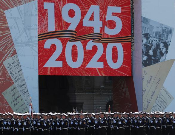 Nga duyệt binh lớn mừng 75 năm Ngày Chiến thắng, giới thiệu nhiều vũ khí mới - Ảnh 3.