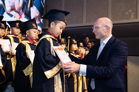 Lựa chọn của phụ huynh quyết định hướng phát triển của thị trường giáo dục - Ảnh 2.