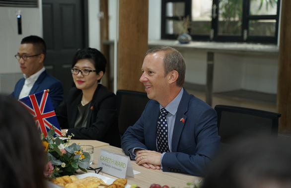 Đại sứ Anh: Việt Nam có thể dẫn đầu Đông Nam Á về năng lượng bền vững - Ảnh 1.