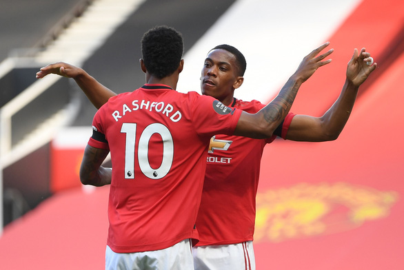 Martial lập hat-trick, Man Utd đại thắng Sheffield United - Ảnh 1.