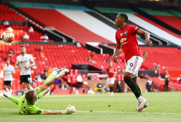 Martial lập hat-trick, Man Utd đại thắng Sheffield United - Ảnh 3.