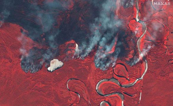 Cháy rừng bất thường ở Bắc Cực, lo khí nhà kính tăng vọt - Ảnh 1.