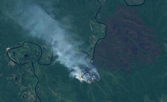 Cháy rừng bất thường ở Bắc Cực, lo khí nhà kính tăng vọt - Ảnh 3.