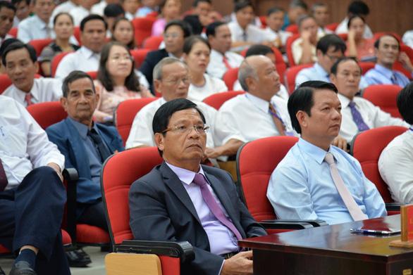 Phó bí thư Quảng Ngãi chỉ đạo đại hội huyện dù bí thư Lê Viết Chữ có mặt - Ảnh 1.