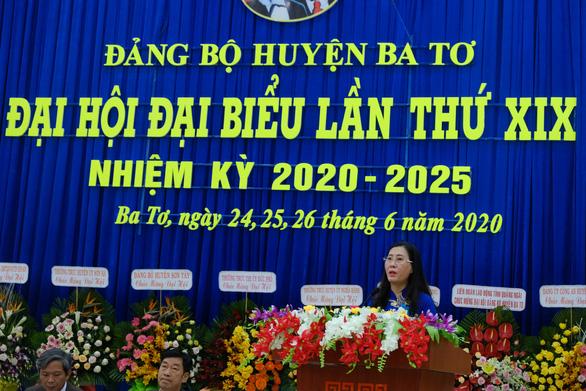 Phó bí thư Quảng Ngãi chỉ đạo đại hội huyện dù bí thư Lê Viết Chữ có mặt - Ảnh 2.