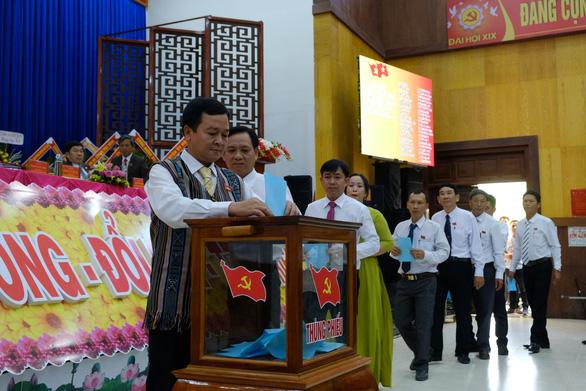 Phó bí thư Quảng Ngãi chỉ đạo đại hội huyện dù bí thư Lê Viết Chữ có mặt - Ảnh 4.