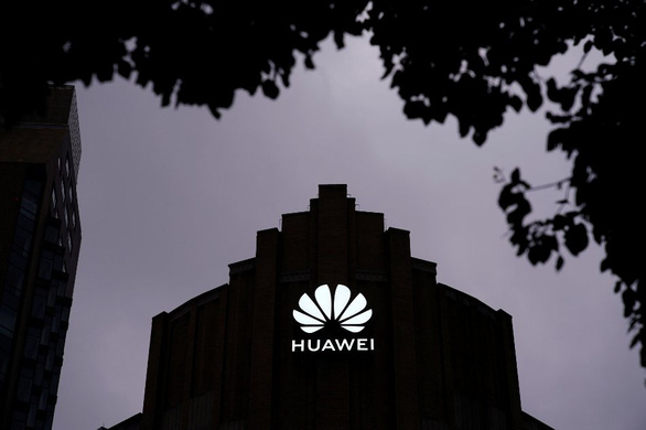 Tin độc quyền Reuters: Mỹ xác định Huawei và 19 công ty do quân đội Trung Quốc đứng sau - Ảnh 1.